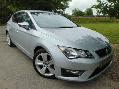 Seat Leon 2.0 TDI FR 5dr (Parking Sensors! 17in Alloys! +) Hatchback Diesel Ice Silver MetallicSeat Leon 2.0 TDI FR 5dr (Parking Sensors! 17in Alloys! +) Hatchback Diesel Ice Silver Metallic at Williams Group Maidstone