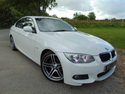 BMW 3 Series 2.0 320i M Sport 2dr (Bluetooth! 19in Alloys! ++) Coupe Petrol Mineral White MetallicBMW 3 Series 2.0 320i M Sport 2dr (Bluetooth! 19in Alloys! ++) Coupe Petrol Mineral White Metallic at Williams Group Maidstone