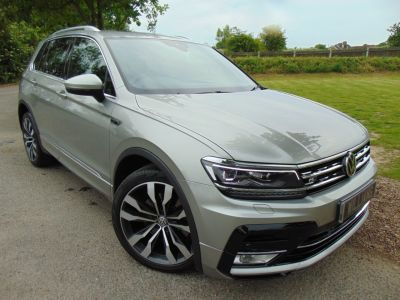 Volkswagen Tiguan 2.0 TSi 180 4Motion R Line 5dr DSG (Vienna Leather! Full VW SH! +++) Estate Petrol Tungsten Silver MetallicVolkswagen Tiguan 2.0 TSi 180 4Motion R Line 5dr DSG (Vienna Leather! Full VW SH! +++) Estate Petrol Tungsten Silver Metallic at Williams Group Maidstone