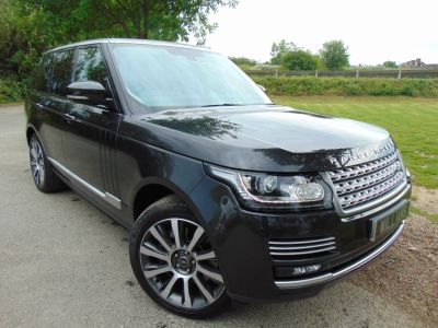 Land Rover Range Rover 4.4 SDV8 Autobiography 4dr Auto (Rear Entertainment! +++) Estate Diesel Causeway Grey Premium MetallicLand Rover Range Rover 4.4 SDV8 Autobiography 4dr Auto (Rear Entertainment! +++) Estate Diesel Causeway Grey Premium Metallic at Williams Group Maidstone