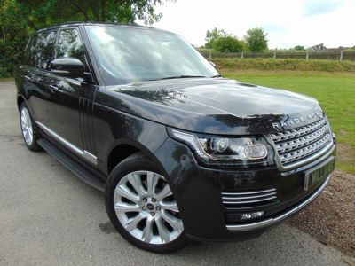 Land Rover Range Rover 3.0 TDV6 Vogue SE 4X4 (s/s) 5dr (21in Alloys! Pan Roof! +++) SUV Diesel Causeway Premium MetallicLand Rover Range Rover 3.0 TDV6 Vogue SE 4X4 (s/s) 5dr (21in Alloys! Pan Roof! +++) SUV Diesel Causeway Premium Metallic at Williams Group Maidstone