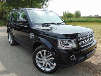 Land Rover Discovery 3.0 SDV6 HSE 5dr Auto (Towing Pack! FSH! Sunroof! +++) Estate Diesel Santorini Black MetallicLand Rover Discovery 3.0 SDV6 HSE 5dr Auto (Towing Pack! FSH! Sunroof! +++) Estate Diesel Santorini Black Metallic at Williams Group Maidstone