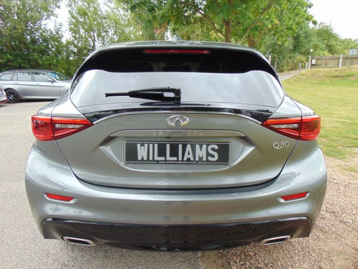 Infiniti Q30 2.2d Premium 5dr DCT (Surround Cam! Privacy Glass! +) Hatchback Diesel Graphite Shadow Grey Metallic