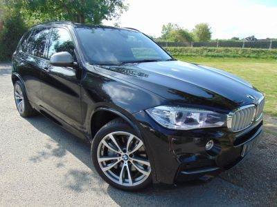 BMW X5 3.0 xDrive M50d 5dr Auto (Pan Roof! 20in Alloys! +++) Estate Diesel Sapphire Black MetallicBMW X5 3.0 xDrive M50d 5dr Auto (Pan Roof! 20in Alloys! +++) Estate Diesel Sapphire Black Metallic at Williams Group Maidstone