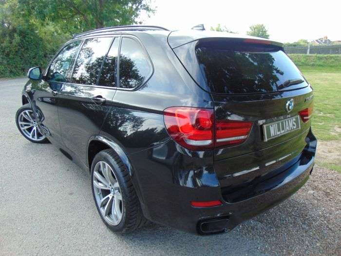 BMW X5 3.0 xDrive M50d 5dr Auto (Pan Roof! 20in Alloys! +++) Estate Diesel Sapphire Black Metallic