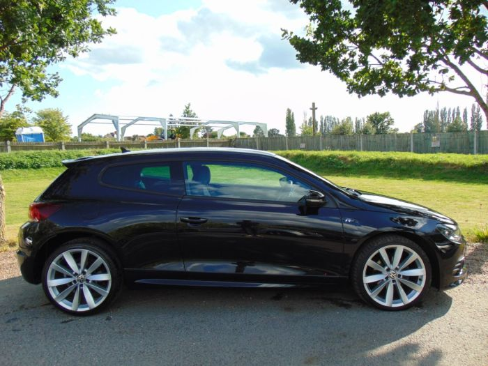 Volkswagen Scirocco 2.0 TDi BlueMotion Tech R Line 3dr DSG (Adaptive Chassis Control! DAB! +) Coupe Diesel Deep Black Pearl