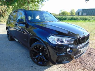 BMW X5 3.0 xDrive30d M Sport 5dr Auto (Pan Roof! Rear Camera! FBMWSH! +) Estate Diesel Carbon Black MetallicBMW X5 3.0 xDrive30d M Sport 5dr Auto (Pan Roof! Rear Camera! FBMWSH! +) Estate Diesel Carbon Black Metallic at Williams Group Maidstone