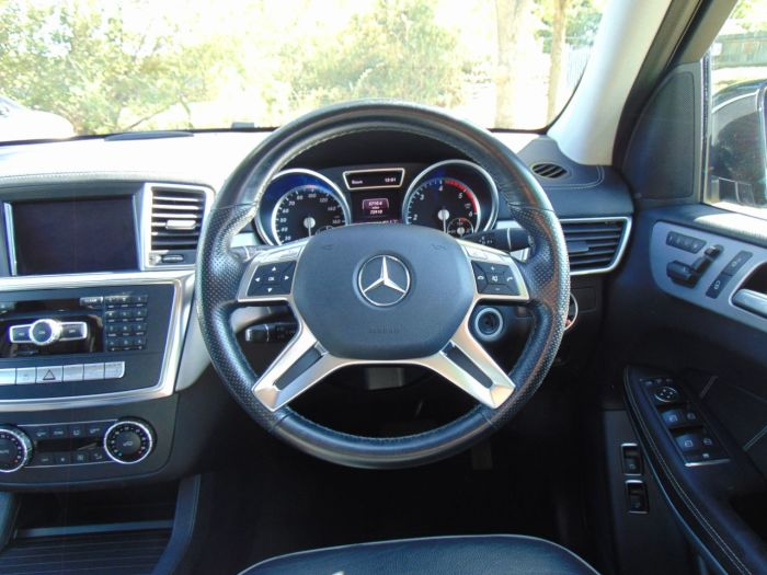 Mercedes-Benz GL Class 3.0 GL350 BlueTEC AMG Sport 5dr Tip Auto (Rear Entertainment! Pan Roof! +) Estate Diesel Obsidian Black