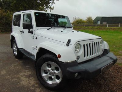 Jeep Wrangler 2.8 CRD Overland 2dr Auto (Dual Top! Nav! Heated Seats! ++) Convertible Diesel Bright WhiteJeep Wrangler 2.8 CRD Overland 2dr Auto (Dual Top! Nav! Heated Seats! ++) Convertible Diesel Bright White at Williams Group Maidstone