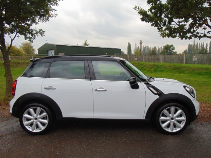 Mini Countryman 1.6 COUNTRYMAN COOPER S (CHILI Pack! Leather! +++) Hatchback Petrol Light White