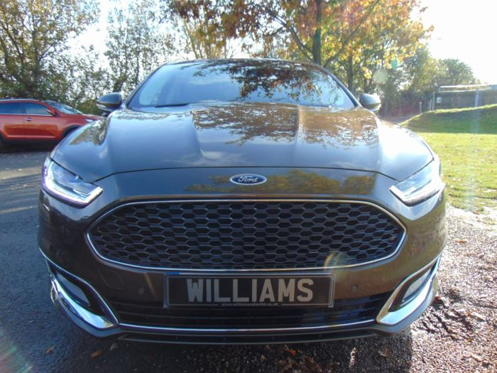 Ford Mondeo Vignale 2.0 TDCi 180 4dr (Privacy Glass! FSH! +++) Saloon Diesel Nicciola Brown Exclusive