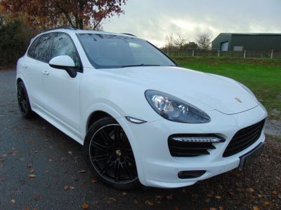 Porsche Cayenne 4.8 GTS 5dr Tiptronic S (21in Alloys! PCM! Pan Roof! Over £17,000 factory options!) Estate Petrol Pure WhitePorsche Cayenne 4.8 GTS 5dr Tiptronic S (21in Alloys! PCM! Pan Roof! Over £17,000 factory options!) Estate Petrol Pure White at Williams Group Maidstone