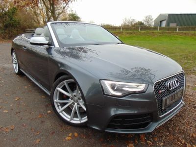 Audi RS5 4.2 FSI Quattro 2dr S Tronic (Special Paint! 20in Alloys! ++) Convertible Petrol Special Daytona Grey Pearl EffectAudi RS5 4.2 FSI Quattro 2dr S Tronic (Special Paint! 20in Alloys! ++) Convertible Petrol Special Daytona Grey Pearl Effect at Williams Group Maidstone