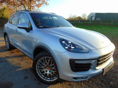 Porsche Cayenne 4.8T Turbo Tiptronic 4WD (s/s) 5dr (21in Sport Alloys! FPSH! +++) SUV Petrol Rhodium Silver MetallicPorsche Cayenne 4.8T Turbo Tiptronic 4WD (s/s) 5dr (21in Sport Alloys! FPSH! +++) SUV Petrol Rhodium Silver Metallic at Williams Group Maidstone