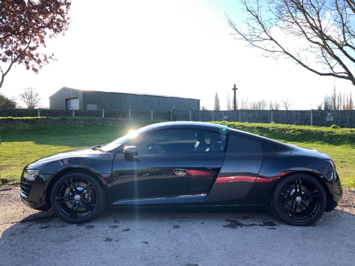 Audi R8 4.2 FSI V8 Quattro 2dr S Tronic (£12k Options! Just Been Serviced! +)) Coupe Petrol Panther Black Pearl