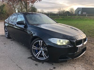 BMW M5 4.4 M5 4dr DCT [Competition Pack] (20in Alloys! Harman Kardon! +) Saloon Petrol Sapphire Black MetallicBMW M5 4.4 M5 4dr DCT [Competition Pack] (20in Alloys! Harman Kardon! +) Saloon Petrol Sapphire Black Metallic at Williams Group Maidstone