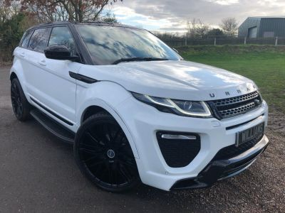 Land Rover Range Rover Evoque 2.0 TD4 SE Tech 5dr Auto (Urban Exterior Pack! Pan Roof! +) Estate Diesel Fuji WhiteLand Rover Range Rover Evoque 2.0 TD4 SE Tech 5dr Auto (Urban Exterior Pack! Pan Roof! +) Estate Diesel Fuji White at Williams Group Maidstone